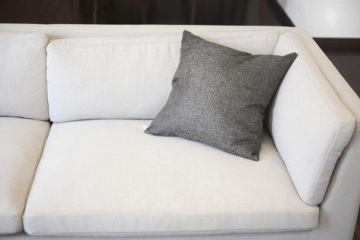 重たいソファー移動に困ったら?家具移動の業者選びと方法について